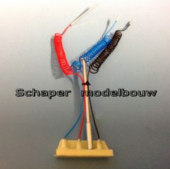 susie-coils-pogo-stick-and-resin-base-schaper-modelbouw